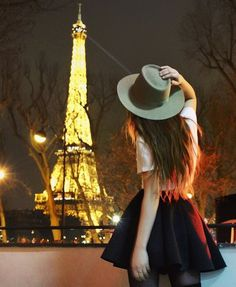 paris, eiffel tower, and france image Cute Girl Photo, Beautiful Girl Image, Girl Photo Poses, Girl Photography Poses, Girl Photos, Stylish Girls Photos, Stylish Girl Pic, Dps For Girls, Profile Picture For Girls