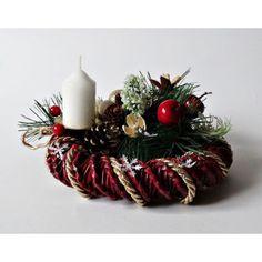 Podobny obraz Christmas Wreaths, Holiday Decor, Home Decor, Decoration Home, Room Decor, Home Interior Design, Home Decoration, Interior Design