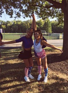 High School Football Games, Football Themes, Football Outfits, Football Pics, Usa Costume, 4th Of July Photography, Homecoming Spirit Week, Football Spirit, School Costume