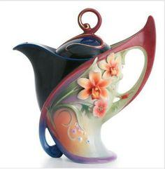 / beautiful teapot /