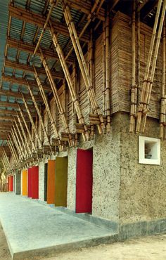 earth architecture: handmade school in bangladesh Hand-built by architects, local craftsmen, pupils, parents and teachers - a primary school in Rudrapur, Bangladesh - arquitectura Bamboo Architecture, Vernacular Architecture, Sustainable Architecture, Architecture Details, Interior Architecture, Interior Design, Bamboo Building, Natural Building, Green Building