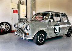 RAF MINI Mini Cooper S, Mini Cooper Classic, Classic Mini, Classic Cars, Mini Morris, Toy Garage, Mini Clubman, Small Cars, Creative Photos