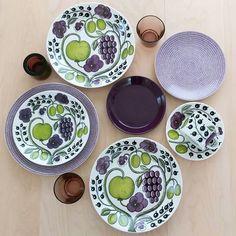 揃えるならコレ♡チェックしておくべき《北欧食器》おすすめ3ブランドをご紹介! Kitchen Tools, Scandinavian Design, Food Dishes, Interior Inspiration, Pottery, Dining, Tableware, Finland, Female
