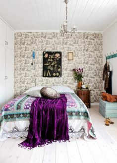 Home Design Ideas: good ideas for your home decoration. Get the most beautiful boho chic bedroom. Boho Chic Bedroom, Bohemian Style Bedrooms, Bohemian Living, Boho Style, Bohemian Room, Bohemian Interior, Bohemian Design, Purple Bohemian Bedroom, Chic Dorm