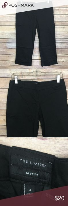 "The Limited Drew Fit Cropped Pants Size 4 Black The Limited Drew Fit Cropped Pants Size 4 Black Cotton Blend Measurements: Waist: 30"" Hips: 34"" Inseam: 21"" Stock #603 The Limited Pants Capris"