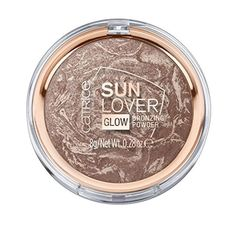Catrice Sun Lover Glow Bronzing Powder: Kissed by the sun! Catrice Sun Lover Glow Bronzing Powder provides a natural looking sun-kissed complexion all year long Gel Eyeliner, Best Makeup Powder, Maybelline, Concealer, Make Up Beratung, Artist Makeup, Bronze Hair, Lotion, Bronzer