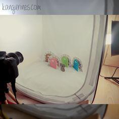 Buenos días!! Las puertas del Ratoncito Pérez también fueron protagonistas en nuestra sesión de fotos de este fin de semana. Fotos ya editadas , ahora toca subir a la web tooooooodas las cositas nuevas que os hemos preparado... En cuanto esté todo listo os avisamos para que paséis a descubrirlo!!  #sesionfotos #fotos #shooting #shootingphotos #fotografia #nikon #nikonistas #novedades #muypronto #nuevoenlaweb #proximamente #bebesymamas #kangurines #paraelbebe #puertaratonperez…