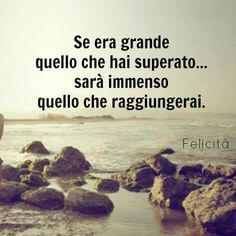 e chi ci crede? Positive Vibes, Positive Quotes, Motivational Quotes, Inspirational Quotes, Le Moral, Italian Life, Italian Quotes, Holidays And Events, Wallpaper Quotes