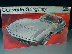 1/32 Revell H-1297 CORVETTE STINGRAY, box art at its best, these guys could be working in Detroit