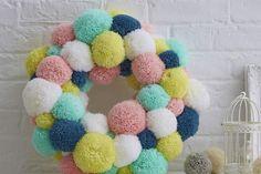 How to Make a Spring Pom Pom Wreath #pastel #Easter #Homecraft #PomPom