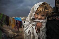 ロマの少女(イラン)