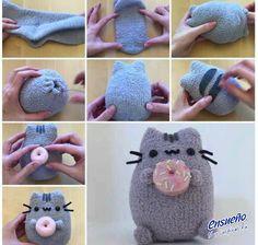 Arma un lindo gatito para tu hijo haciendo uso de tu creatividad y un calcetín. #DIY #osopeluche #gato #calcetín #Ensueño