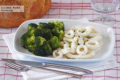 Anillas de calamar salteadas al limón con brócoli. Receta saludable