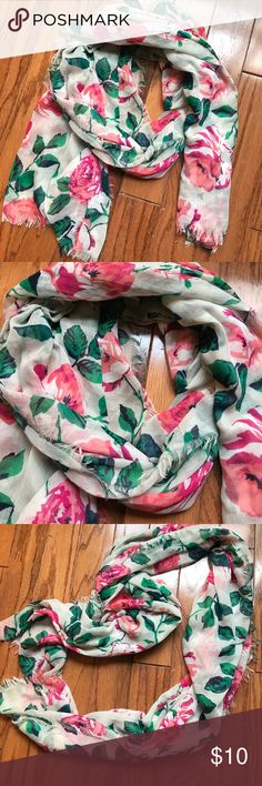 old Navy Floral Scarf So pretty! Great condition Old Navy Accessories Scarves & Wraps