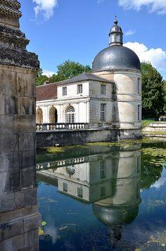 Tanlay - Le Château - Douves
