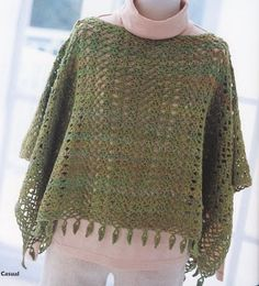 Cool poncho crochet patron poncho cuadrado patron SOTSZFF - Crochet and Knit Crochet Bolero, Crochet Shawls And Wraps, Crochet Jacket, Knitted Poncho, Knit Or Crochet, Knitted Shawls, Crochet Scarves, Crochet Clothes, Easy Crochet