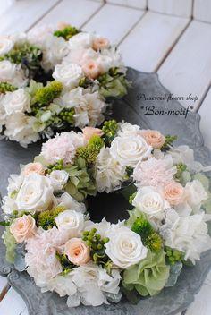 ご両親贈呈花に・・プリザーブドフラワーリース