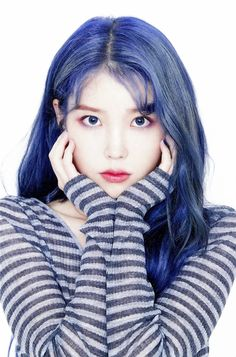 Blue hair seems to making its rounds around idol circles, and so, here's a list of idols who totally rocked the bright blue hair color! Bright Blue Hair, Hair Color Blue, New Hair Colors, Korean Actresses, Korean Actors, Kpop Girl Groups, Kpop Girls, Kpop Hair Color, Iu Hair