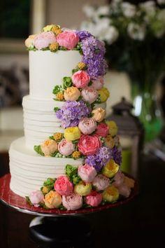 Easter/Spring wedding cake Wedding cake with buttercream flowers Beautiful Wedding Cakes, Gorgeous Cakes, Pretty Cakes, Amazing Cakes, Buttercream Flowers, Buttercream Cake, Wedding Cake Inspiration, Floral Cake, Wedding Cake Designs