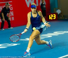 Top seed Sabine Lisicki goes through today in #HongKong, more pics in our Tuesday's gallery: http://www.womenstennisblog.com/2014/09/09/2014-hong-kong-open-heat-tuesday-highlights/