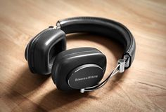 Discover Bowers & Wilkins Wireless Advanced Acoustic AptX Bluetooth Over-Ear Headphone Best Over Ear Headphones, Wireless Headphones Review, Wireless Headset, Linux, Smartphone, Gadgets, Tablet, Headphone With Mic, Audiophile