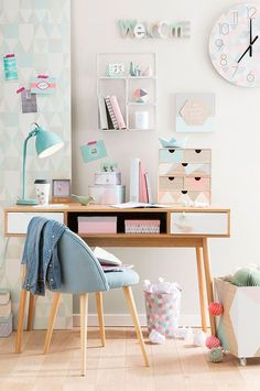 Teen Girl Bedrooms - Breathtaking range of teen room decor ideas. Desperate for more super teen room decor ideas simply pop by the pin image to wade through the pin tip 4529699108 now Teenage Girl Bedroom Designs, Teen Girl Bedrooms, Small Bedrooms, Ladies Bedroom, Bedroom Decor For Teen Girls Dream Rooms, Female Bedroom, Bedroom Decor For Teen Girls Diy, Diy Home Decor For Teens, Colorful Teen Bedrooms