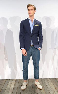 J Crew coleccion primavera verano 2014 New York Fashion Week Blazers, Gq, Suit Jacket, Fashion Looks, Street Style, Mens Fashion, Suits, Formal, My Style