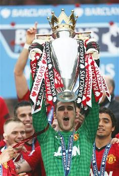 COMPARE: Which three EPL goalkeepers have made more league saves than Manchester United's De Gea this season?  View here:   http://blog.squawka.com/2013/05/14/the-3-goalkeepers-who-have-made-most-saves-in-epl-this-season-stoke-sunderland-aston-villa-stopper-compared-to-man-united-man/201305149195