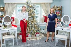 @kymdouglas is keeping you gorgeous this #Christmas with her Holiday #beauty hacks!