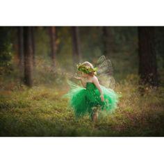 Een creatieve Poolse leerkracht stak al meermaals haar kleine engeltjes in outfits die ze helemaal zelf met de hand maakte. De portretten die ze van haar zoontje en dochtertje maakte zien eruit alsof ze regelrecht uit een wondermooi sprookje geplukt zijn.