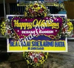 Toko Bunga di Kuningan Jawa Barat jual Bunga Ucapan untuk Pernikahan, Peresmian, Duka Cita, Ulang Tahun dan sebagainya dengan bunga pilihan berkualitas