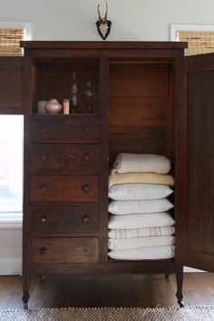 What a neat idea! Turn an old piece of furniture into a beautiful linen cabinet. #farmhouseinterior Shelves In Bedroom, Closet Bedroom, Antique Furniture, Antique Armoire, Painted Furniture, Repurposed Furniture, Shelving Ideas, Storage Ideas, Small Storage