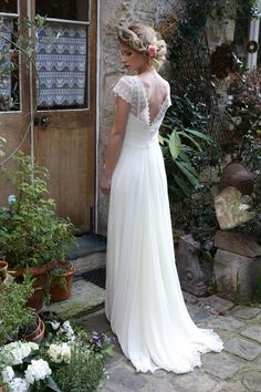 Vintage wedding dresses for retro wedding Hochzeitskleid Wedding Robe, Open Back Wedding Dress, Civil Wedding, Wedding Reception, Lace Wedding, Unique Dresses, Vintage Dresses, Robes Vintage, Vestidos Vintage