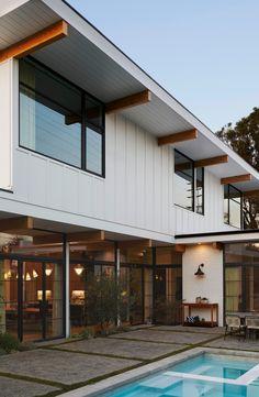 Modern Farmhouse Exterior, Mid Century House, Mid Century Modern Home, Modern House Design, Loft Design, Facades, Exterior Design, House Tours, Modern Architecture