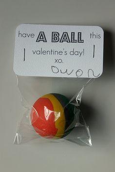 http://yvonnebyattsfamilyfun.blogspot.com/2012/01/diy-candy-free-valentines-day-favors_3421.html