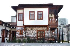 geleneksel türk ev mimarisi - Google'da Ara Turkish Architecture, Art And Architecture, Turkey Photos, European House, World's Most Beautiful, The Doors, House In The Woods, Country Chic, Traditional House