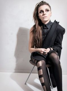 || FC : Lynn Gunn || Hey I'm Zelda. I'm 18, gay, and single. I play guitar. I love music, writing, art, and drawing. Frank is my twin brother but I'm the older one. I'm really rebellious. Feel free to come say hi.