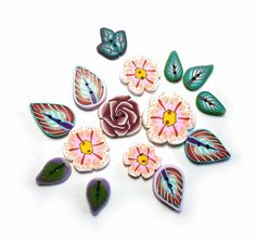 Leaf and Flower handmade buttons polymer clay Set of by Chifonie, €11.00