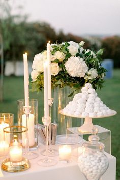 Minimal and Chic Wedding in Messolonghi Round Wedding Tables, Sweet Table Wedding, Chic Wedding, Elegant Wedding, Wedding Trends, Wedding Ideas, Cake Table Decorations, Wedding Decorations, Centerpieces