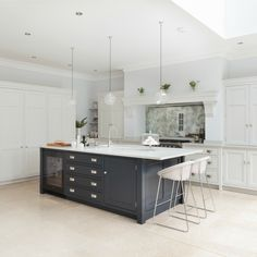 London Nickleby Kitchen - Humphrey Munson - Front