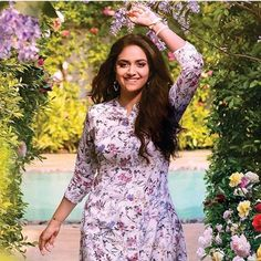 Beautiful Saree, Beautiful Indian Actress, Girls Dp Stylish, Keerti Suresh, Tamil Actress Photos, Kurta Designs, Saree Dress, Photos Of Women, India Beauty