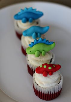 Fondant Cupcake Toppers Cupcakes And 2d On Pinterest