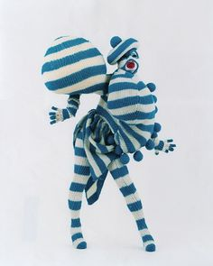 Knit and Stripes. very Leigh Bowery no? Club Fashion, Fashion Art, Fashion Design, High Fashion, Leigh Bowery, Plakat Design, Club Kids, Weird Fashion, Textiles