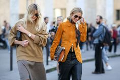 80 French Style Lessons To Learn Now #refinery29  http://www.refinery29.com/2014/10/75565/paris-street-style-photos-fashion-week-2014#slide22  Do: Use the buddy system.