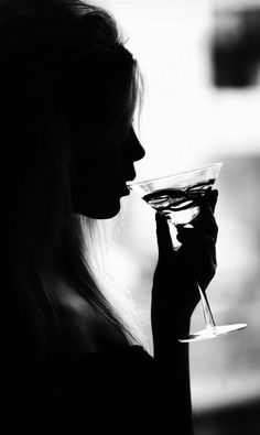 Black and White Photography of Women: How Take Beautiful Pictures – Black and White Photography Black White Photos, Black And White Photography, White Picture, Woman Wine, Light And Shadow, Photoshoot, Beautiful, Women, Martinis