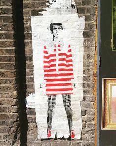 Some pretty cool style by #mrfahrenheit @steckandose_gallery  #london #streetart #londonstreetart #streetartistry #streetartlondon #graffiti #londongraffiti #urbanwalls #urbanart #pasteup #wheatpaste #pasteupart #paste #60sfashion #stripes #pasteupartist #wallfilth #streetartofficial