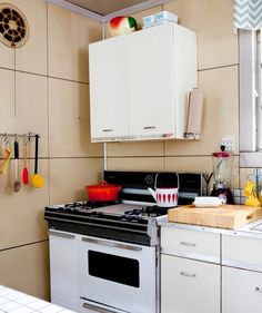 10 Inexpensive Kitchen Helpers & Organizers We Can't Live Without — The Organized Kitchen