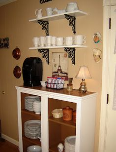 Great idea to repurpose cabinet doors who dont need- coffee bar shelves! Paintbrush and Screwdriver: 31 Ways Day 4 Re-purpose Those Cabinets! Coffee Bar Home, Coffee Bars, Coffee Corner, Tea Bars, Coffee Break, Repurposed Furniture, Diy Furniture, Repurposed Wood, Coffee Bar Station