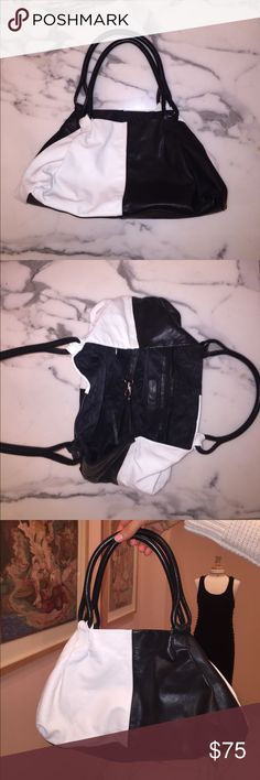 Black and white vintage purse A black and white leather purse by Francesco Biasia Francesco Biasia Bags Shoulder Bags