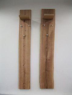 Garderobenpaneel im 2er-Set. Aus FSC®-zertifizierter, massiver Eiche, geölt. Handgefertigt - daher jedes Stück ein Unikat! Die natürliche Form und die lebhasten Maserungen unterstreichen den Charme des Möbels. Es sind Maßabweichungen bis zu 3 cm möglich. Das Paneel hat einen Ablageboden und 3 Kleiderhaken aus Metall. Außenmaße (B/T/H) je: 20/22/160 cm. Details: 1 Ablage, 3 Haken, Pflegeleich...